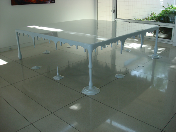 White Drip Table